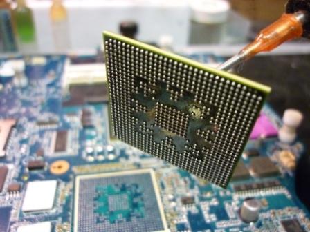 ремонт видеокарты - снятый чип